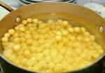 Cách nấu chè hạt sen khô mau mềm, không bị sượng?